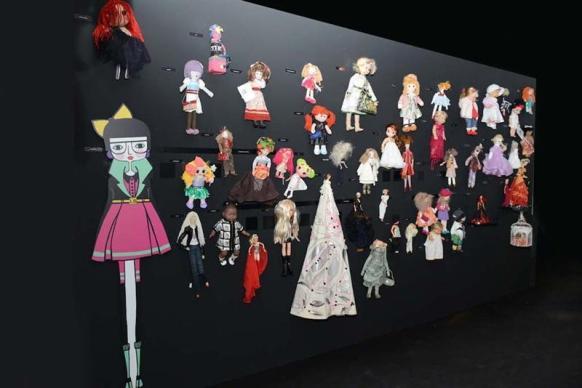 fs-wall-of-dolls01 (Medium)
