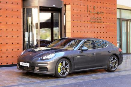 Porsche & Jumeirah Hotel Partner for Eco-FriendlyTransport