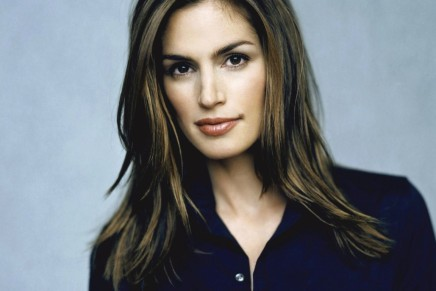 Cindy Crawford Announces Retirement