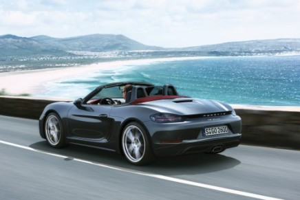 Porsche Introduces the new 718 Boxster