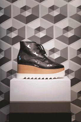 Stella McCartney Shoes Thuraya Mall , Al Ostoura The Avenues, Al Ostoura Salhiya Complex