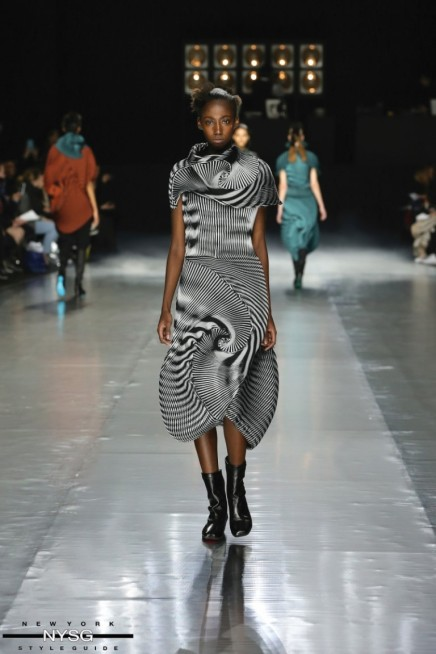 Issey Miyake – BEYOND COLLECTION
